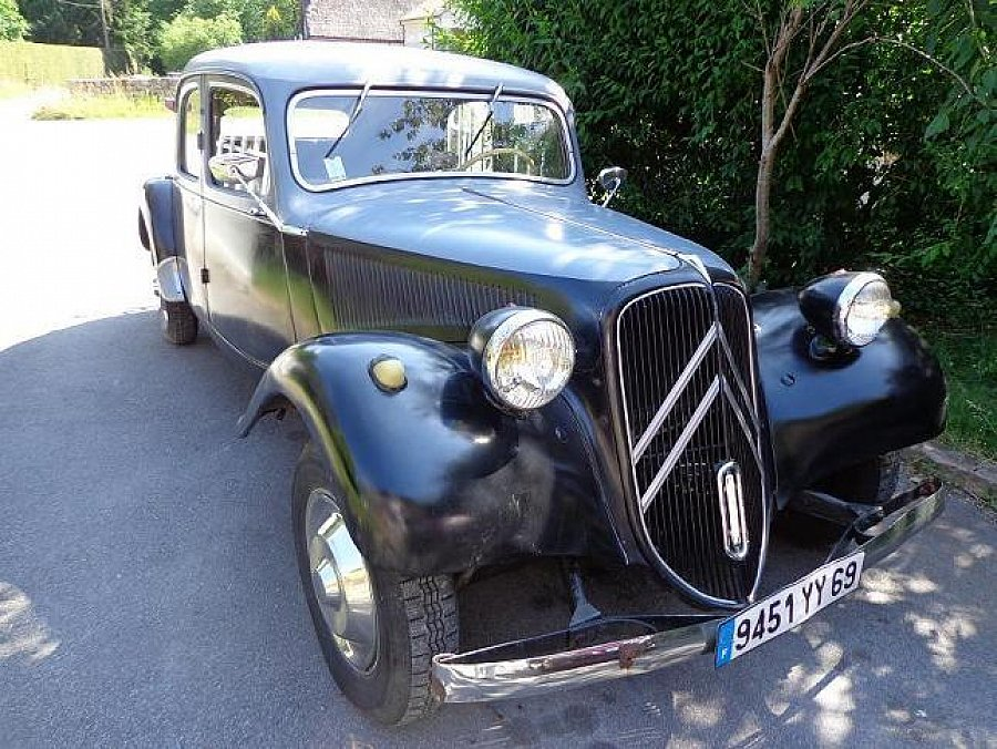 Avis CITROEN TRACTION 11 berline 1952 par JONO