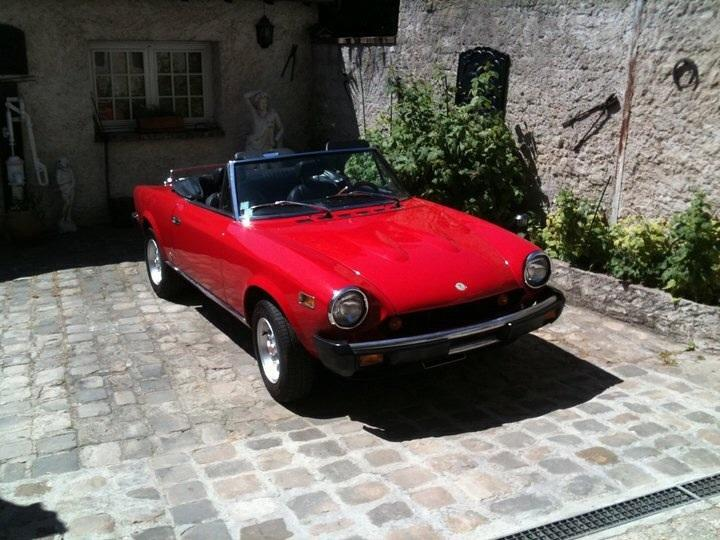 avis fiat 124 i spider 1 8l serie 3 cs1 cabriolet 1978 par denny motorlegend. Black Bedroom Furniture Sets. Home Design Ideas