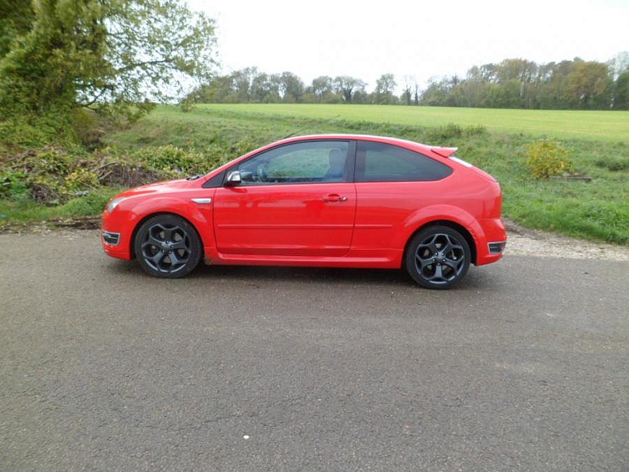 FORD FOCUS II ST 2.5 T 225ch berline 2007