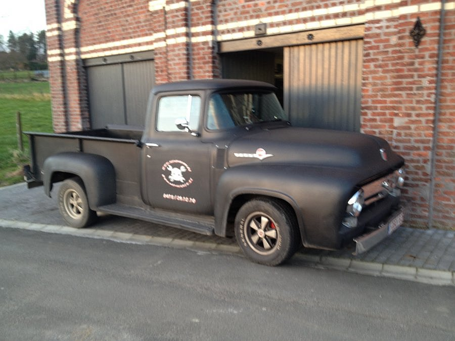 avis ford usa f100 pick up 1953 par vautour motorlegend. Black Bedroom Furniture Sets. Home Design Ideas