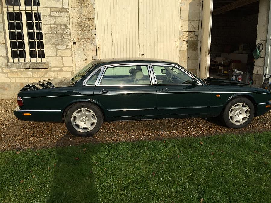 JAGUAR XJ8 4.0L V8 (X308) berline 2000