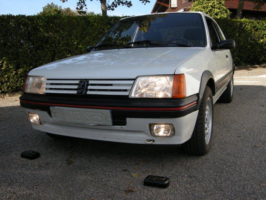 Avis PEUGEOT 205 GTI 1.6 105 berline 1986 par gpiem