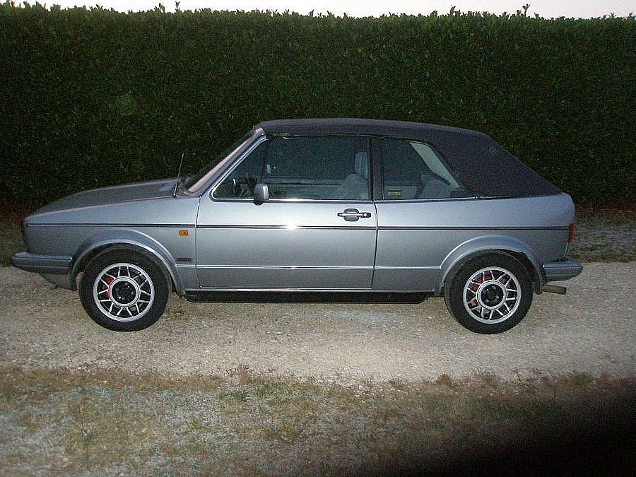 avis volkswagen golf i cabriolet 1987 par luckyboy motorlegend. Black Bedroom Furniture Sets. Home Design Ideas