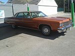 OLDSMOBILE 98 berline 1975
