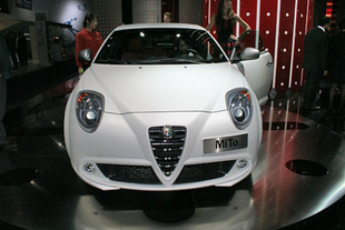 alfa romeo mito quadrifoglio verde. Black Bedroom Furniture Sets. Home Design Ideas