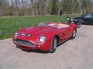 ASTON MARTIN DB4 GT - Salon du Cabriolet & du Coupé 2002.com