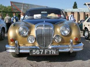DAIMLER 2,5 L V8 - Autojumble de Beaulieu 2006   - Page 1.com