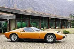 Les modèles de production Bertone - La Carrosserie Bertone  Reportage - Page 4.com