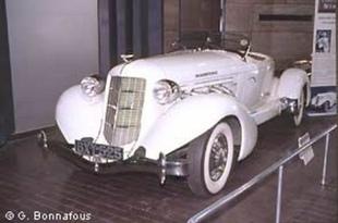 Le National Motor Museum - Autojumble de Beaulieu 2003  Musée - Page 2.com