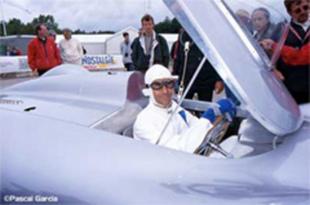 L'Auto Union Avus à Montlhéry - Grand Prix de l'Age d'Or 2000  Reportage.com