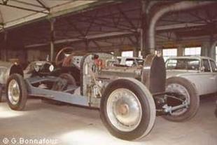 Les réserves du Musée de l'Automobile - Festival automobile de Mulhouse 2004  Musée - Page 1.com