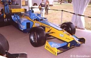 Renault Festival - Festival Automobile Historique 2004  Reportage - Page 1.com