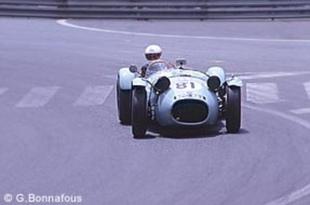 Les HWM Jaguar de S. Curtis et M. Steele - Grand Prix Historique de Pau 2002  Reportage - Page 1.com