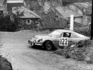 La berlinette 1961 - 1972 - Ils se battent pour la piloter Saga Alpine A 110  Histoire.com