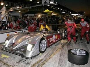 Le V12 diesel de l'Audi R10 - Un diesel aux 24 Heures du Mans  Reportage - Page 2.com