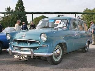 Compte-rendu de l'Autojumble de Beaulieu - Autojumble de Beaulieu 2006  Compte-rendu - Page 3.com