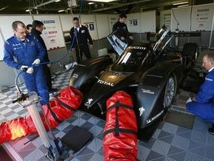 Peugeot 908 : relever le gant du diesel face à Audi - Le Mans : Peugeot à l'assaut d'Audi  Reportage - Page 3.com