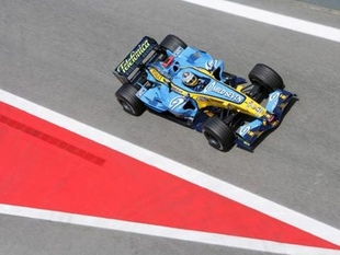 Les quatre titres de champion du monde 2005 et 2006 - 30 ans de Renault F1  Histoire - Page 2.com