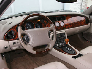 Quel cabriolet pour l'été à moins de 30 000 euros ? - Habitacle et finitions Comparatif auto.com