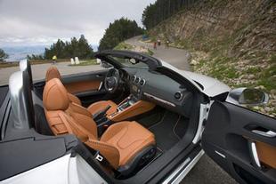Lotus Elise SC / Audi TTS Roadster - Habitacle Comparatif auto.com