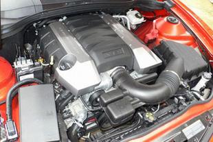 Chevrolet Camaro / Ford Mustang GT - Mécanique, châssis Comparatif auto.com