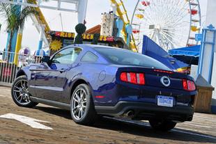 Chevrolet Camaro / Ford Mustang GT - Sur la route Comparatif auto.com