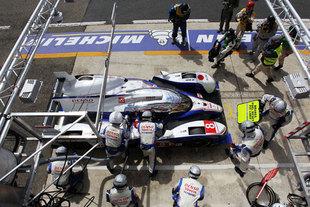 15h - 18h : les Toyota au contact des meilleures Audi - 24 Heures du Mans 2012  Reportage.com