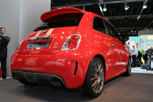 fiat 500 abarth 695 tributo ferrari. Black Bedroom Furniture Sets. Home Design Ideas