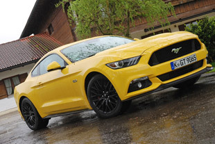 FORD MUSTANG Fastback V8 GT