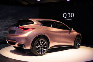 infiniti q30 concept. Black Bedroom Furniture Sets. Home Design Ideas