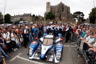 PEUGEOT 908 V8 HDi FAP - 24 Heures du Mans 2011  .com