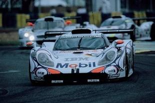 PORSCHE 911 GT1 - Un monstre sur la route Porsche 60 ans de désir  .com