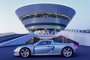 PORSCHE Carrera GT - La « supercar » de Porsche Porsche 60 ans de désir  .com