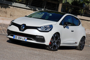 RENAULT Clio 4 RS Trophy 2015