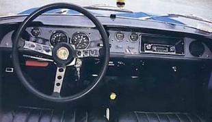 Renault r8 gordini 1300 page 2 for Renault 8 interieur