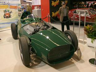 VANWALL 1957 - Rétromobile 2006.com