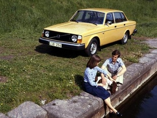 VOLVO génération 200 - Saga Volvo   - Page 1.com