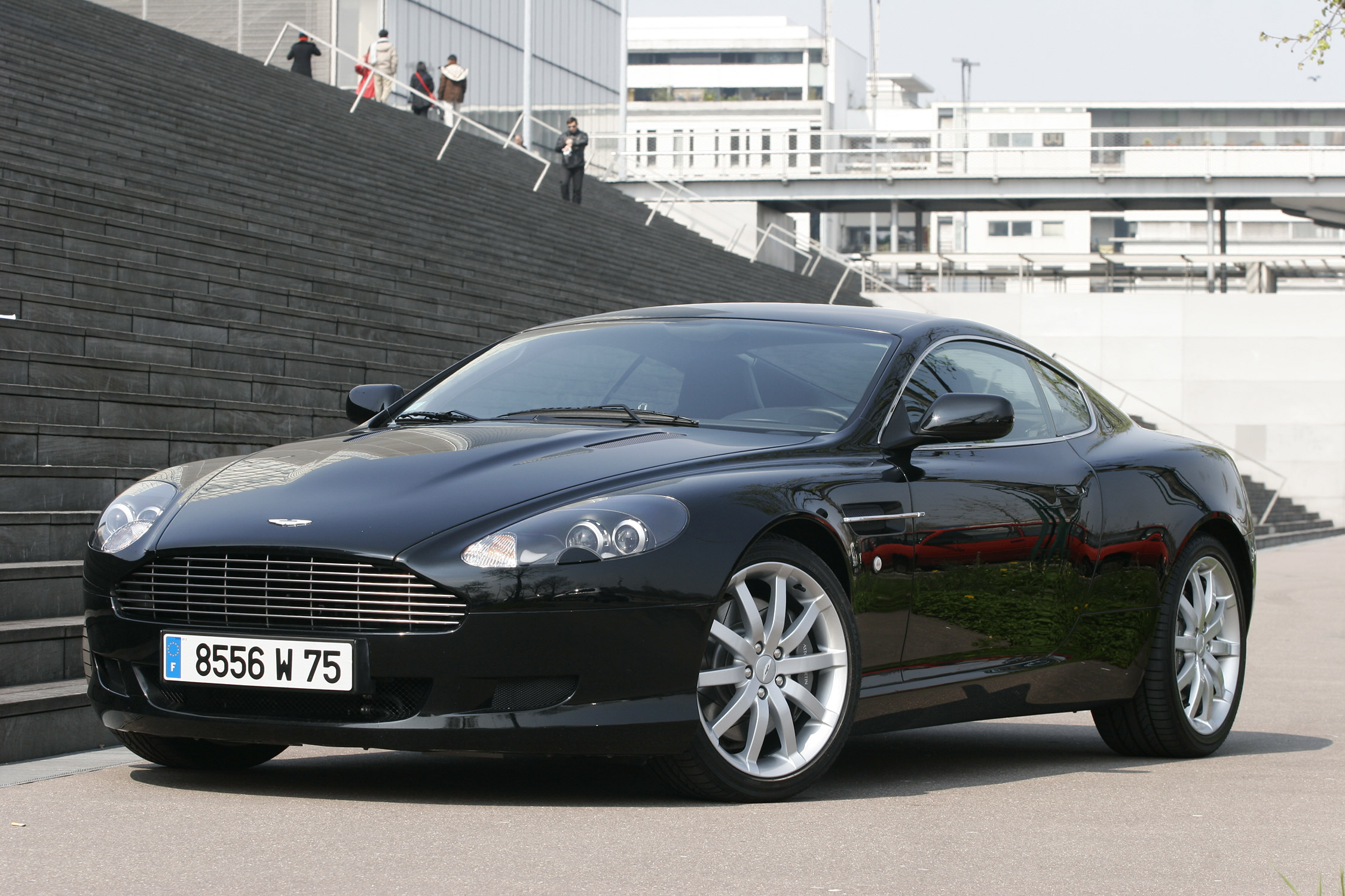 aston martin d 39 occasion avec legend motors. Black Bedroom Furniture Sets. Home Design Ideas