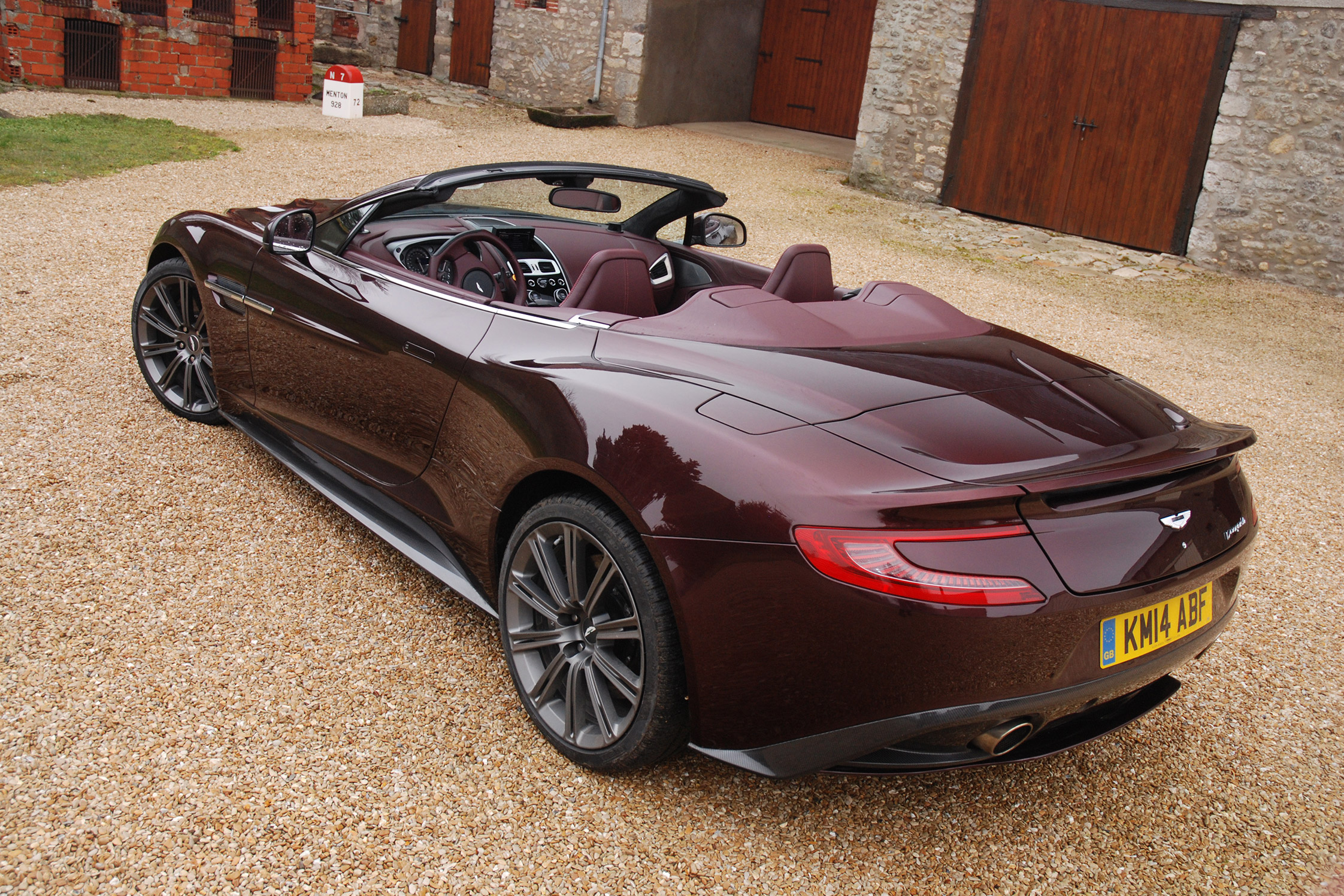 essai aston martin vanquish volante motorlegend. Black Bedroom Furniture Sets. Home Design Ideas
