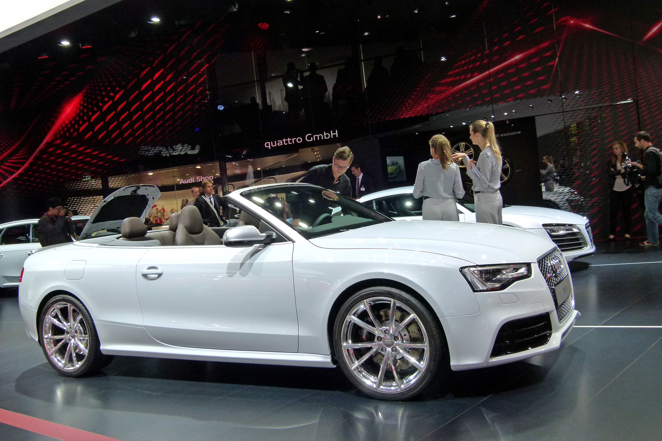 audi rs5 cabriolet mondial de l 39 automobile 2012. Black Bedroom Furniture Sets. Home Design Ideas