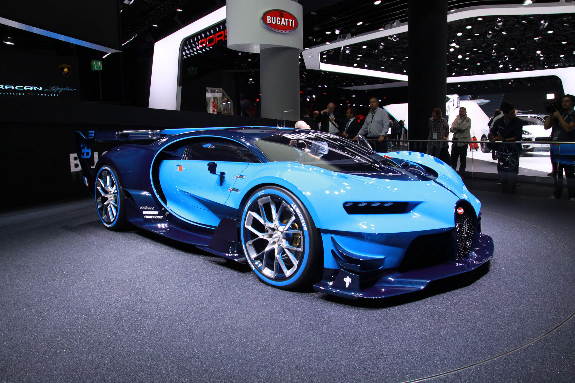 bugatti vision gt salon de francfort 2015. Black Bedroom Furniture Sets. Home Design Ideas