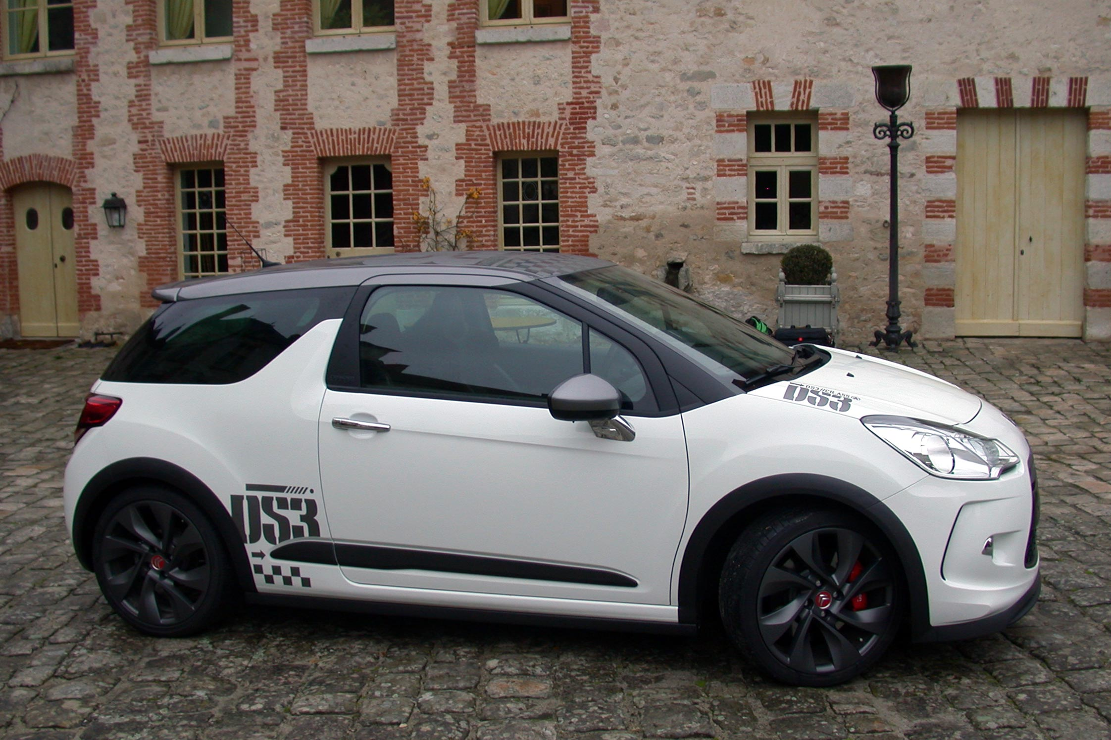 essai citroen ds3 racing motorlegend. Black Bedroom Furniture Sets. Home Design Ideas