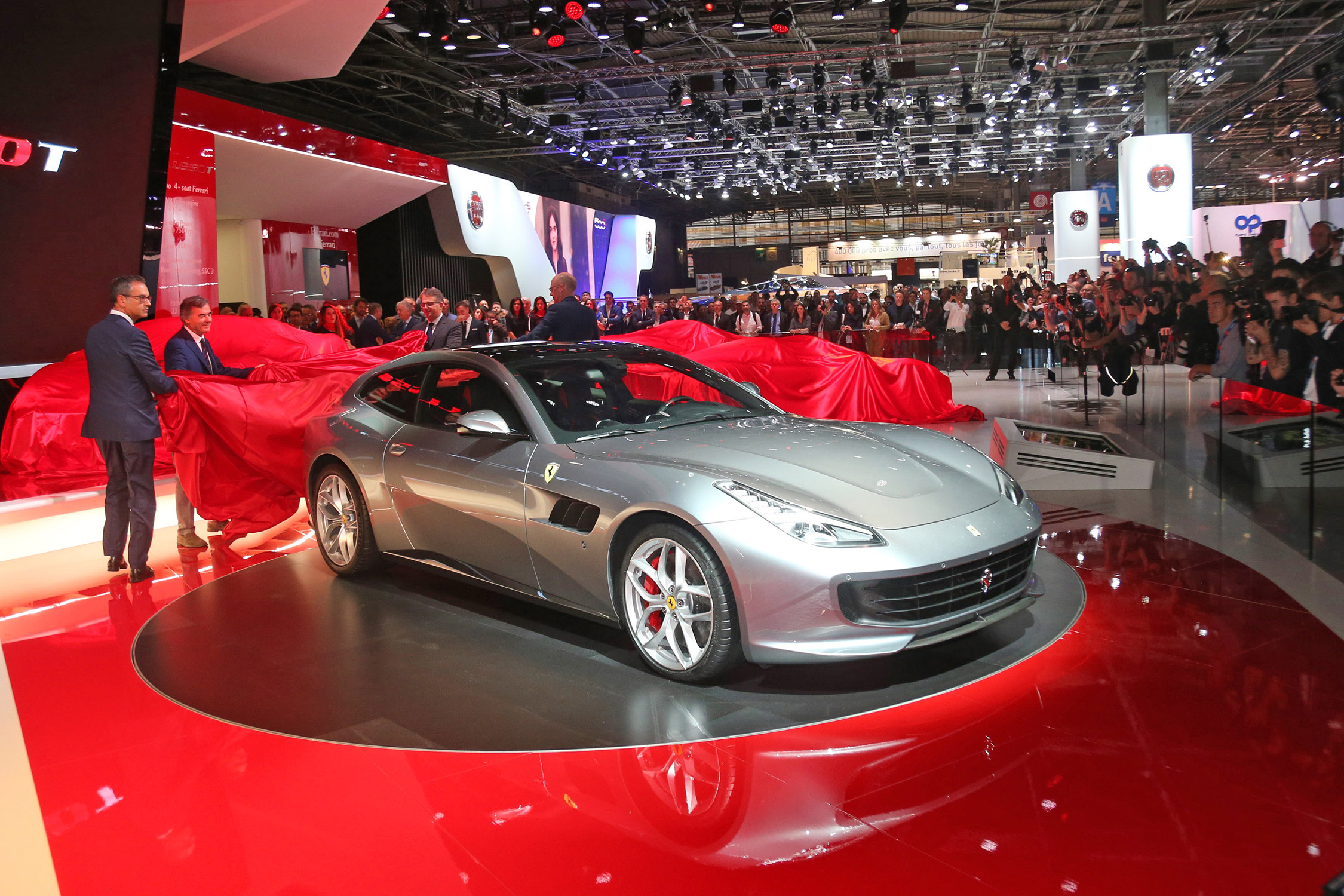 ferrari gtc4 lusso t mondial de l 39 automobile 2016. Black Bedroom Furniture Sets. Home Design Ideas