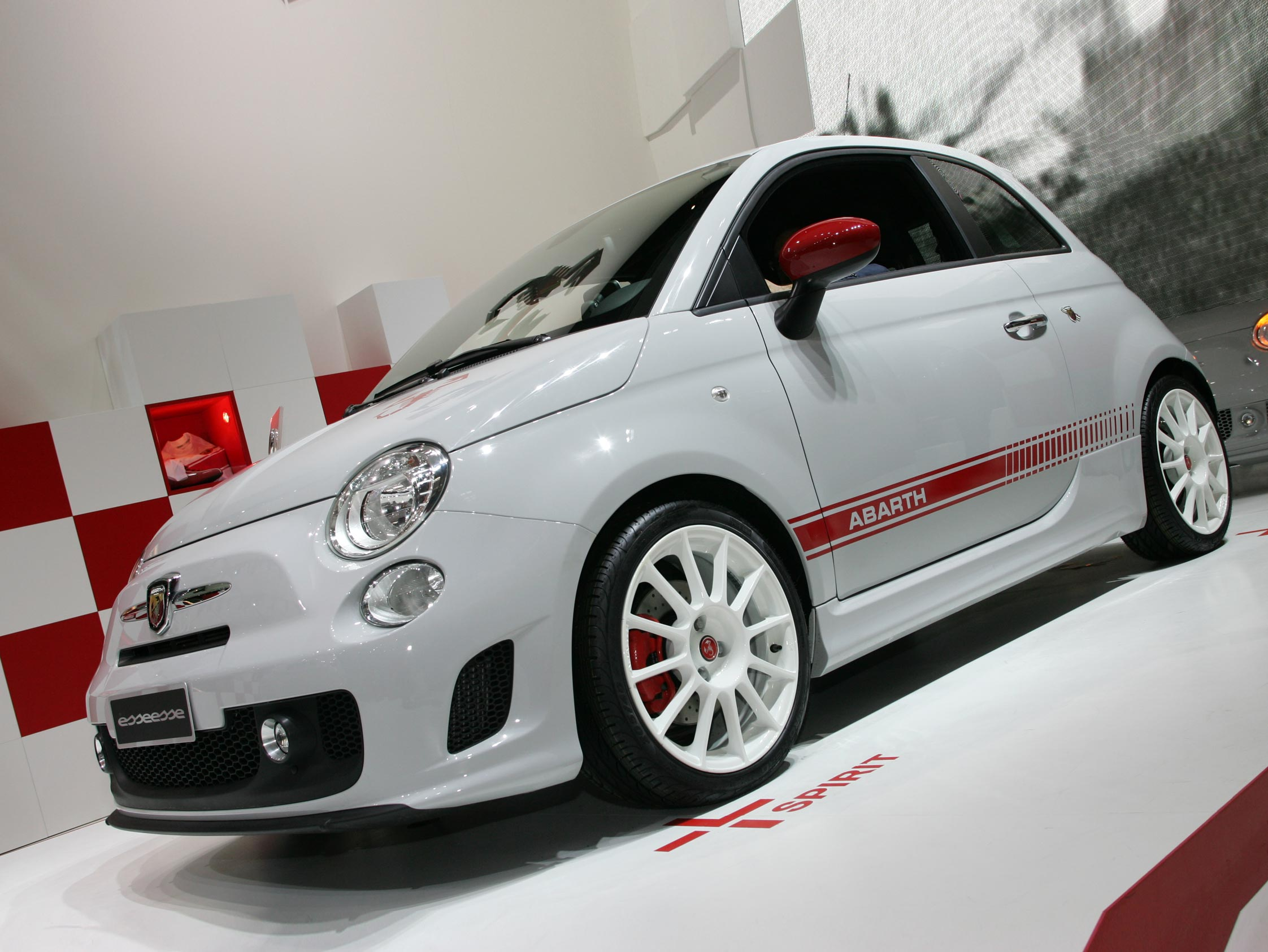 fiat 500 abarth essesse mondial automobile 2008. Black Bedroom Furniture Sets. Home Design Ideas