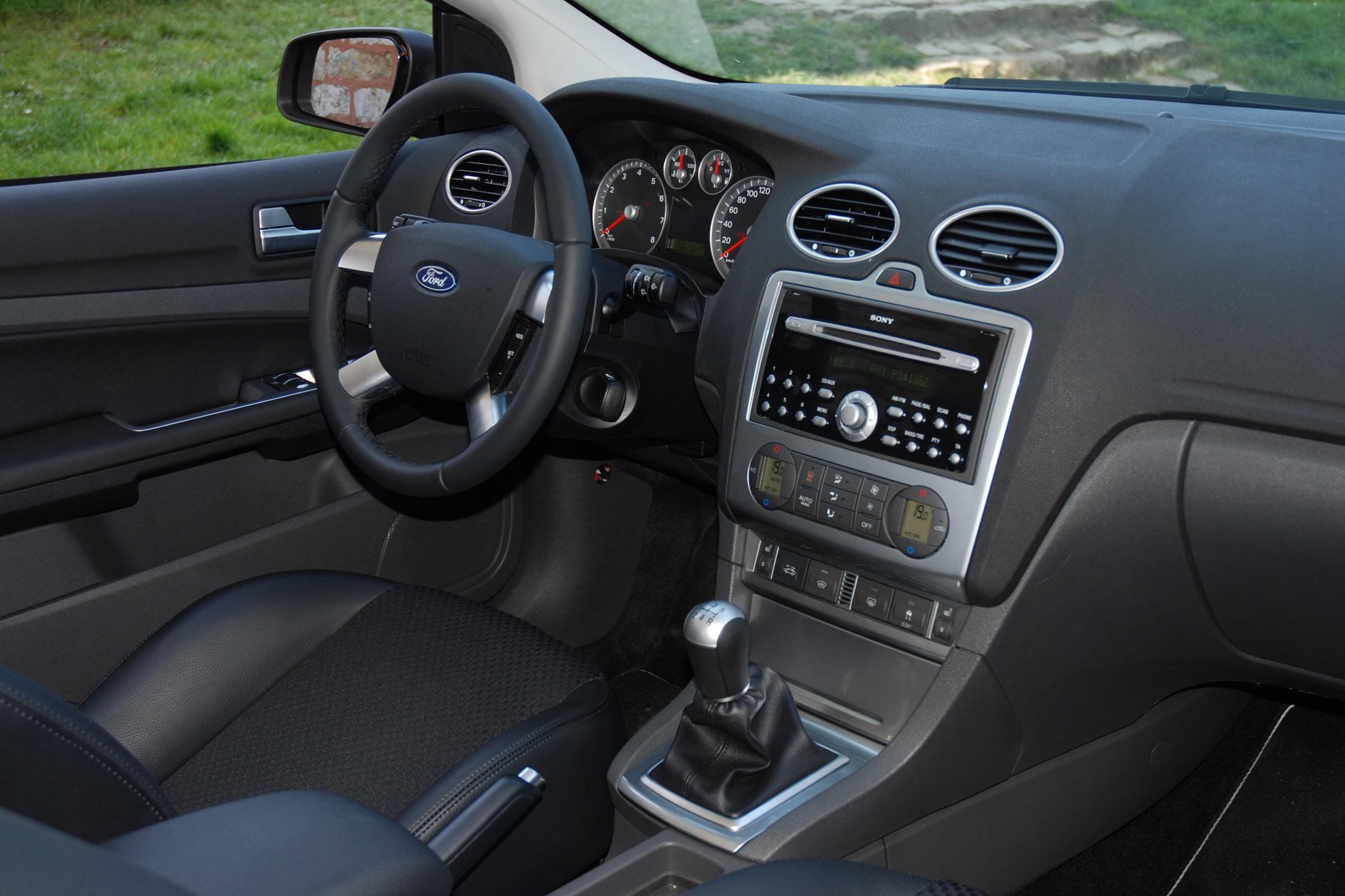 Essai Ford Focus Coup 233 Cabriolet 2 0 16v Motorlegend