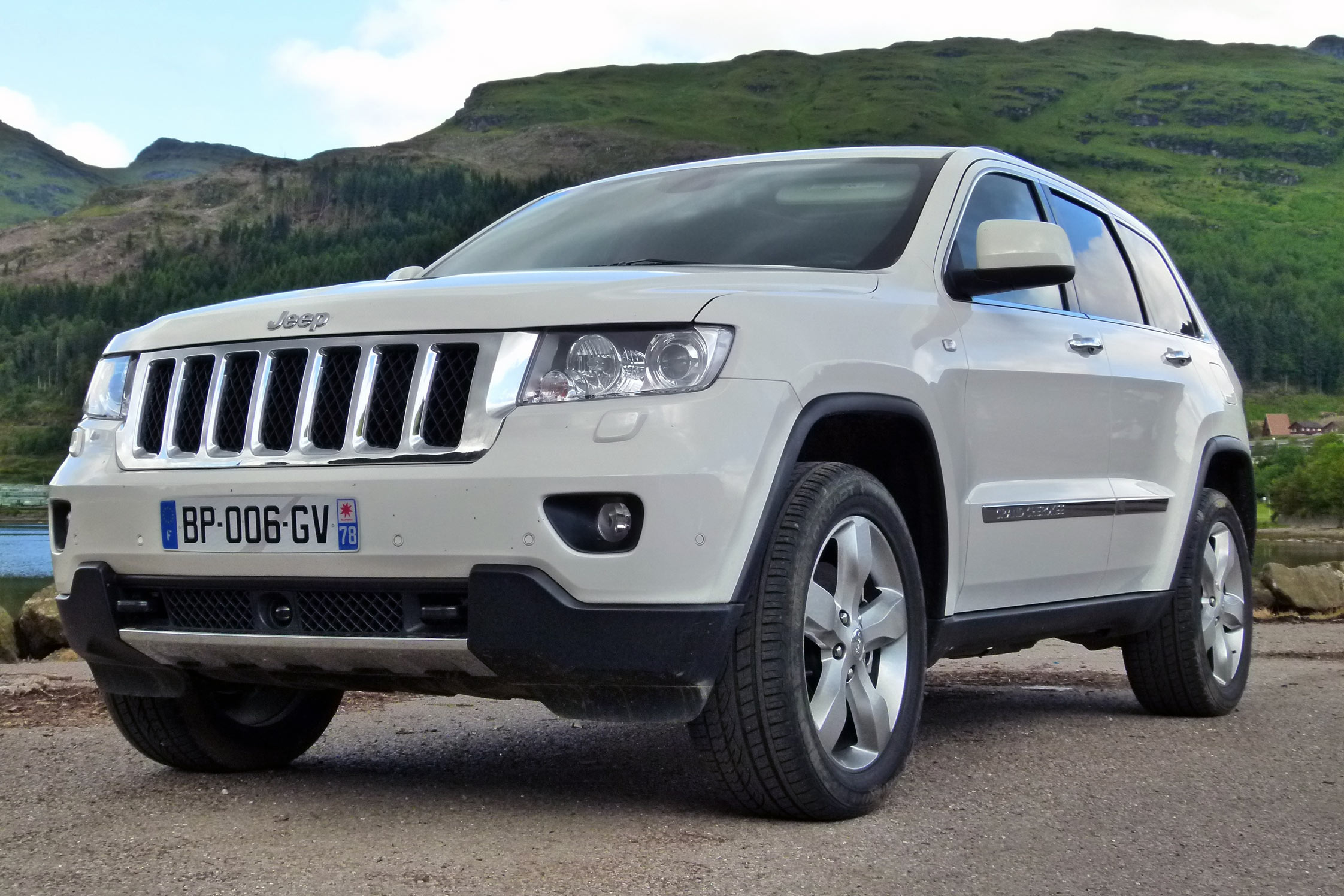 essai jeep grand cherokee 3 0 crd motorlegend. Black Bedroom Furniture Sets. Home Design Ideas