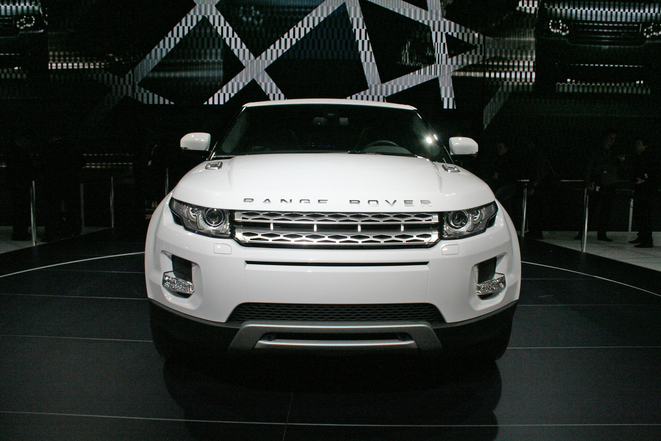 land rover range rover evoque mondial automobile de paris 2010. Black Bedroom Furniture Sets. Home Design Ideas