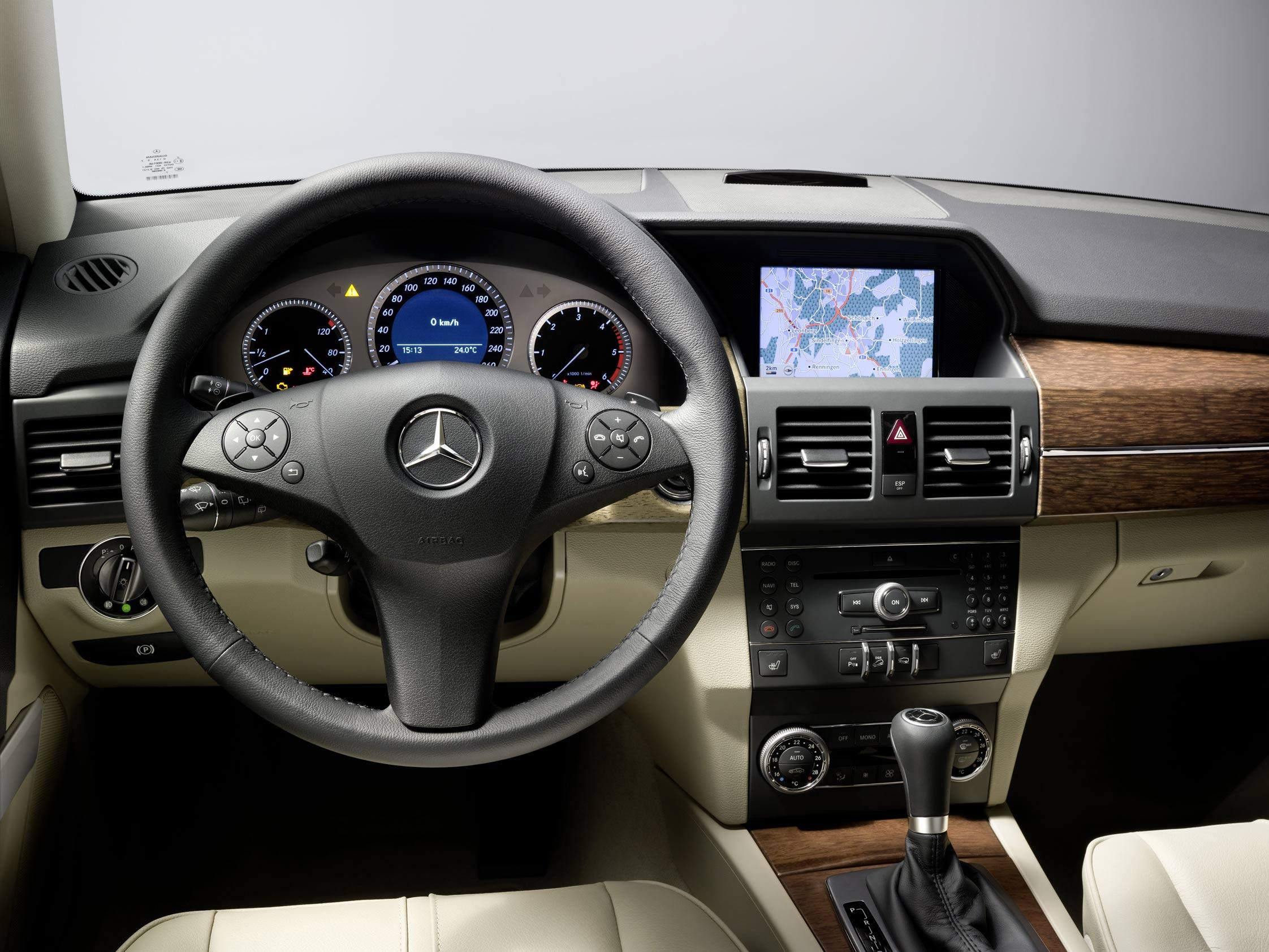 Essai mercedes glk 320 cdi motorlegend for Cdi interior design