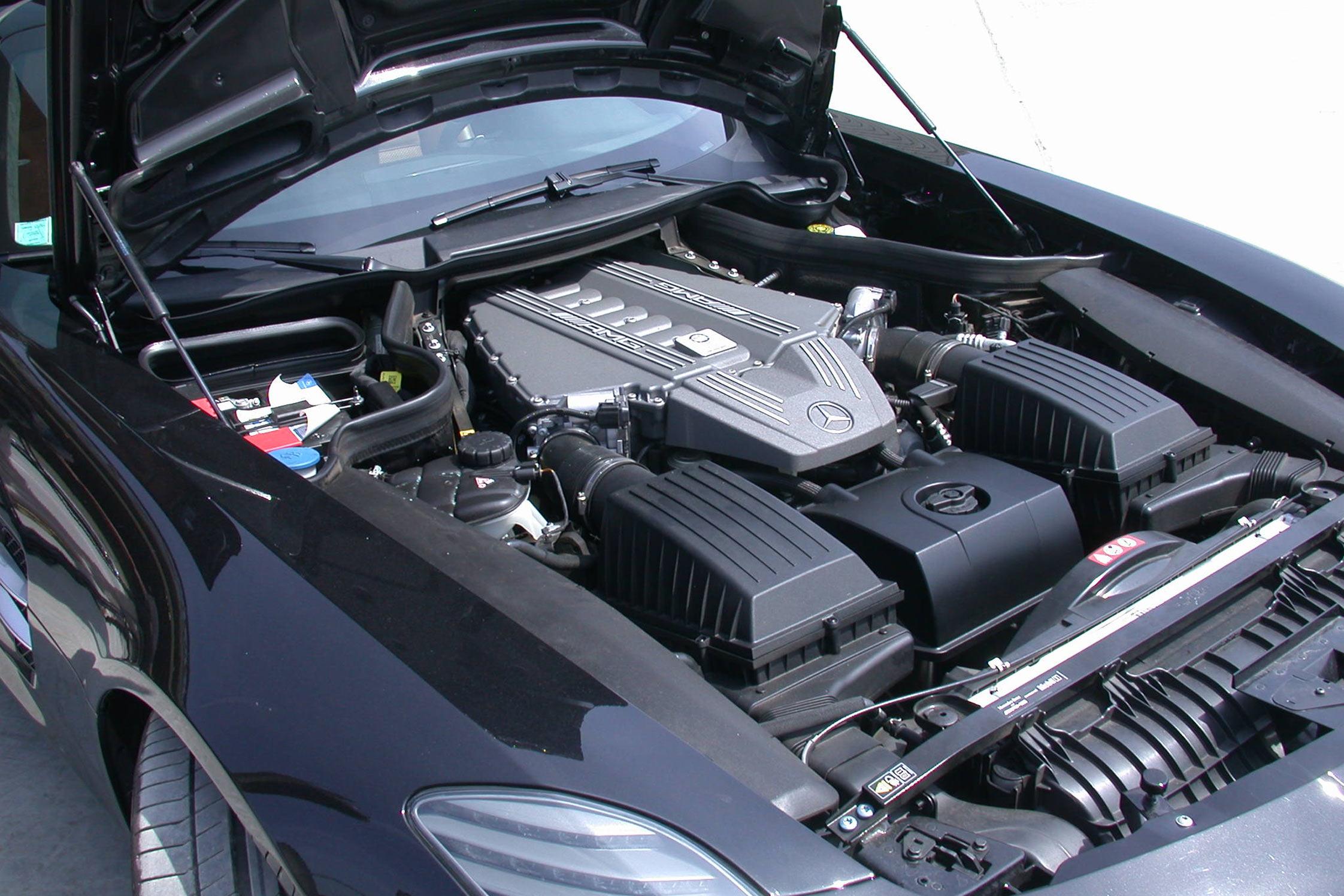 Essai mercedes sls amg motorlegend for Lumiere interieur voiture