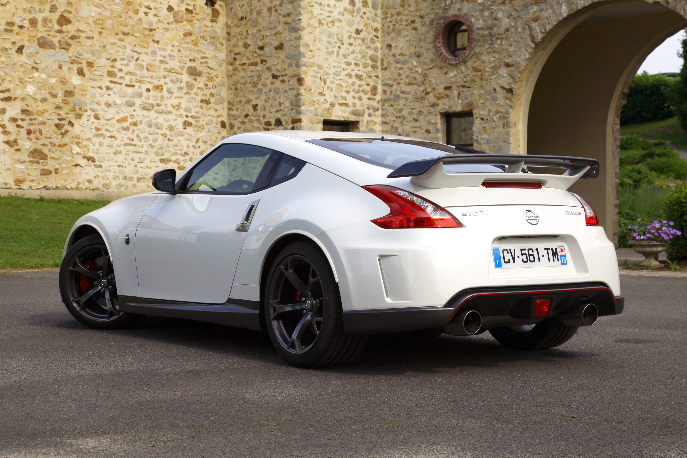 essai nissan 370z nismo motorlegend. Black Bedroom Furniture Sets. Home Design Ideas